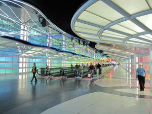 United Airlines corridor, Chicago O'Hare Airport. Photo by InSapphoWeTrust from Los Angeles, California, USA
